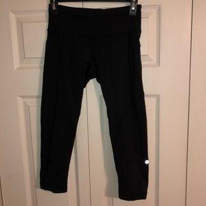 Lululemon side pocket crop leggings